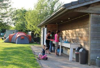 Sanitair-gebouw-op-Groene-Camping-'In-de-Polder'-web